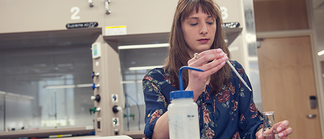 Chemistry student working in the lab