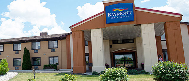 baymont inn and suites exterior