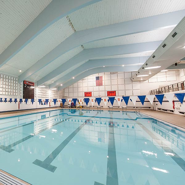 van male natatorium